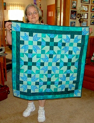 Kathy with her Sister's Choice quilt